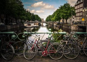 How-The-Dutch-Stay-Happy-And-Healthy